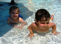 More_drew_and_alex_at_the_pool