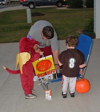 Drew_and_alex_trick_or_treating